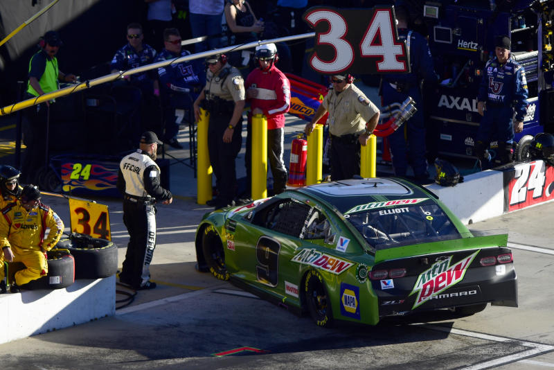 MARTINSVILLE, VIRGINIA - OCTOBER 27: Chase Elliott drives the #9 Mountain Dew Chevrolet behind the wall and into the garage after having an issue during the Monster Energy NASCAR Cup Series First Data 500 at Martinsville Speedway on October 27, 2019 in Martinsville, Virginia. (Photo by Jared C. Tilton/Getty Images)