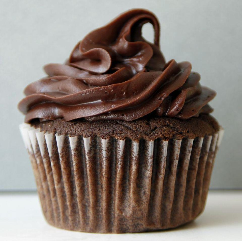 """<p>Keep it simple with an easy chocolate cupcake recipe. You can make a cream cheese frosting, chocolate frosting, or whatever else you'd like!</p><p><strong><a href=""""https://www.thepioneerwoman.com/food-cooking/recipes/a34293255/basic-chocolate-cupcakes-recipe/"""" rel=""""nofollow noopener"""" target=""""_blank"""" data-ylk=""""slk:Get the recipe."""" class=""""link rapid-noclick-resp"""">Get the recipe.</a></strong></p><p><strong><a class=""""link rapid-noclick-resp"""" href=""""https://go.redirectingat.com?id=74968X1596630&url=https%3A%2F%2Fwww.walmart.com%2Fsearch%2F%3Fquery%3Dpioneer%2Bwoman%2Bspatulas&sref=https%3A%2F%2Fwww.thepioneerwoman.com%2Ffood-cooking%2Fmeals-menus%2Fg35139389%2Fvalentines-day-cupcake-ideas%2F"""" rel=""""nofollow noopener"""" target=""""_blank"""" data-ylk=""""slk:SHOP SPATULAS"""">SHOP SPATULAS</a><br></strong></p>"""