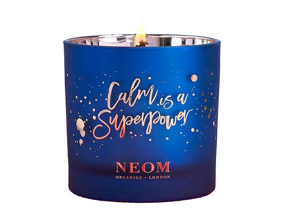 <p>Sit back and relax with the blended scents of this candle</p>Neom