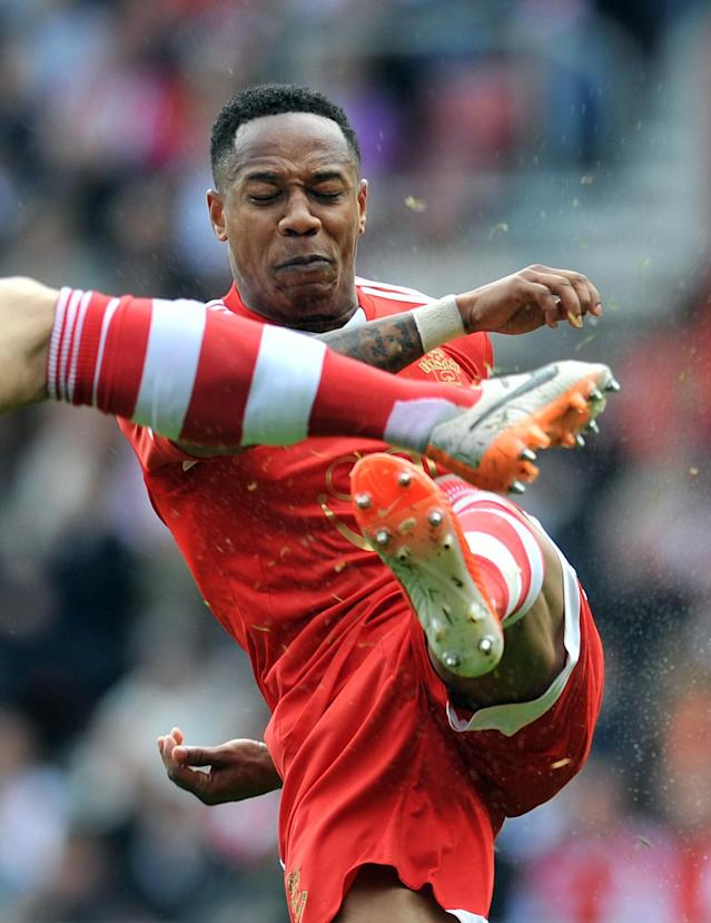 Southampton's Nathaniel Clyne clears the ball during an English Premier League match at St Mary's stadium in in Southampton, on May 11, 2014 (AFP Photo/Glyn Kirk)