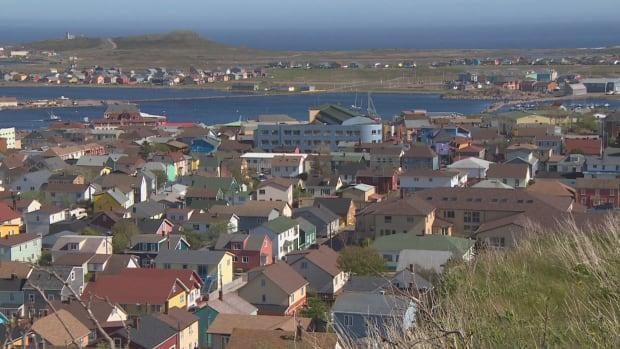 The local government of St-Pierre-Miquelon is lobbying to join the Atlantic bubble and open the international border between the French territory and Newfoundland.