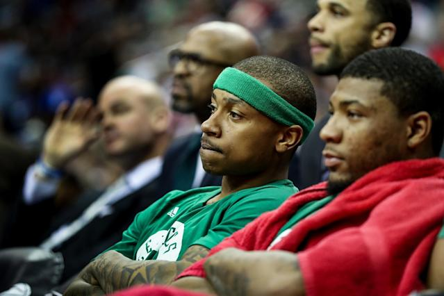 "<a class=""link rapid-noclick-resp"" href=""/nba/players/4942/"" data-ylk=""slk:Isaiah Thomas"">Isaiah Thomas</a> wishes a heckler would. He *wishes.* (AP)"