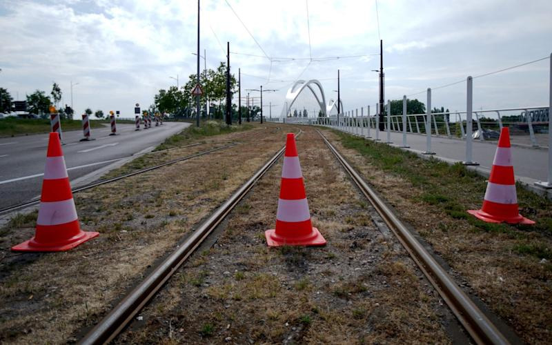 RASTATT, GERMANY - MAY 08: General view of the closed Pont de l'Europe Kehl road to Strasbourg at the German-French border during the coronavirus crisis on May 8, 2020 in Kehl, Germany. The rates of new infections in both Germany and France, as in much of the European Union, have fallen dramatically over recent weeks, allowing governments to ease lockdown measures and strengthening demands by both business leaders and local communities to reopen international borders. In Germany so far Interior Minister Horst Seehofer is resisting a fast-paced lifting of border closures. (Photo by Thomas Niedermueller/Getty Images) - Thomas Niedermueller/Getty Images Europe