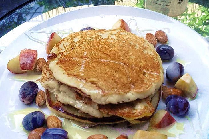 The smoothie can be used to make high protein pancakes.