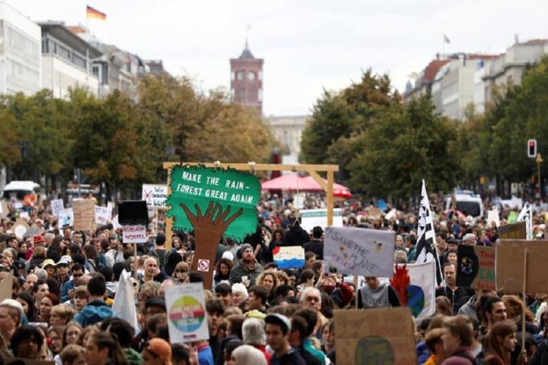 Tens of Thousands Join Climate Change Protests Across the World Ahead of United Nations Summit