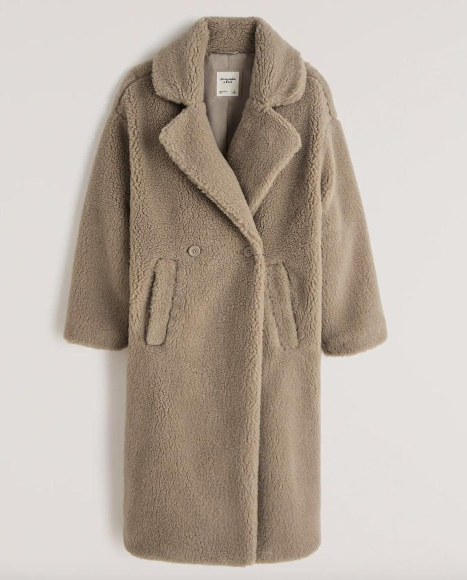 <p><span>Abercrombie &amp; Fitch Double-Breasted Shearling Coat</span> ($180) </p>