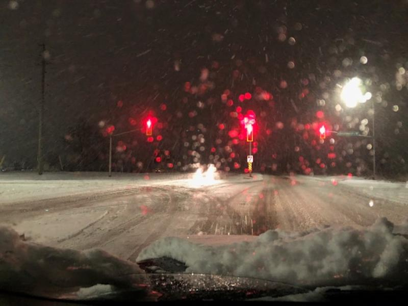 Ontario: Heavy, wet snow puts a treacherous spin on the morning commute