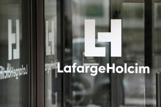 LafargeHolcim CEO to step down over Syria probe
