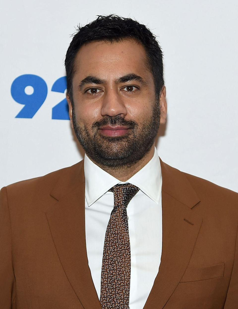 "<p>Kal Penn's departure from <em>House</em> was anything but ordinary. Instead of leaving for different roles or over contract negotiations, Penn was <a href=""https://www.washingtonpost.com/politics/kal-penn-from-white-castle-to-the-white-house/2012/09/04/4db74a0c-f6e8-11e1-8398-0327ab83ab91_story.html"" rel=""nofollow noopener"" target=""_blank"" data-ylk=""slk:offered a position in President Obama's administration"" class=""link rapid-noclick-resp"">offered a position in President Obama's administration</a>. The actor started his new career in the White House's Office of Public Liaison and Dr. Lawrence Kutner was killed off of the hit show in season 5.</p>"