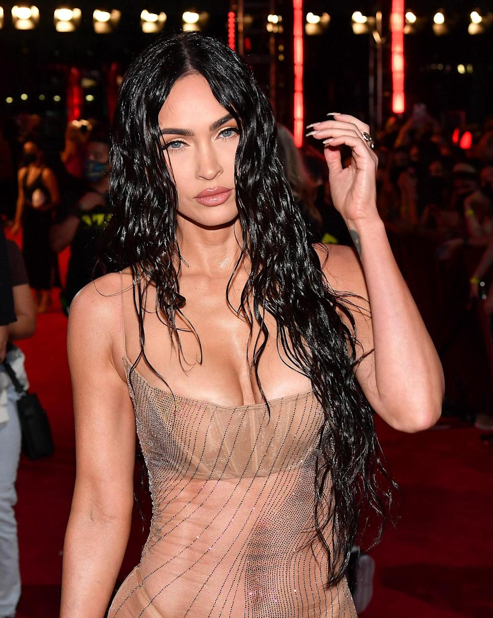 """<h1 class=""""title"""">Megan Fox attends the 2021 MTV Video Music Awards</h1><cite class=""""credit"""">Getty Images</cite>"""