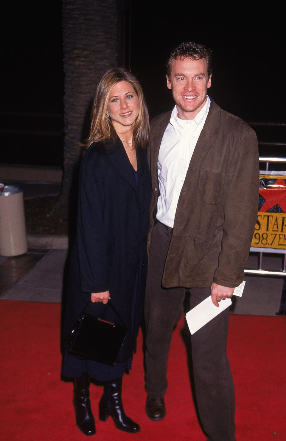 Dating actors Tate Donovan (R) & Jennifer Aniston (L).  (Photo by Mirek Towski/DMI/The LIFE Picture Collection via Getty Images)