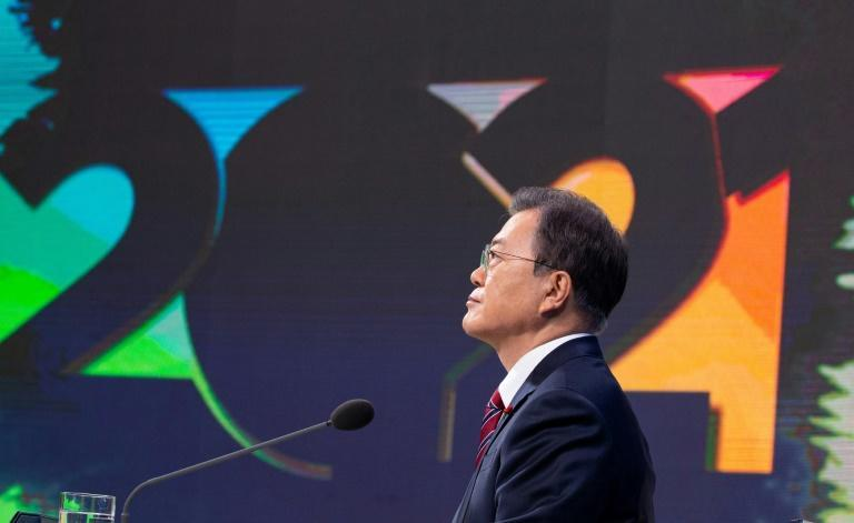 South Korean President Moon Jae-in and his Democratic Party have been struggling with plummeting ratings in recent months