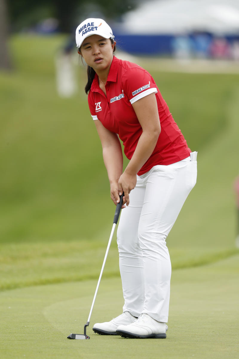 Lpga Money List 2020.Kim Hits 25 Foot Putt To Capture Lpga Finale 1 5m Prize