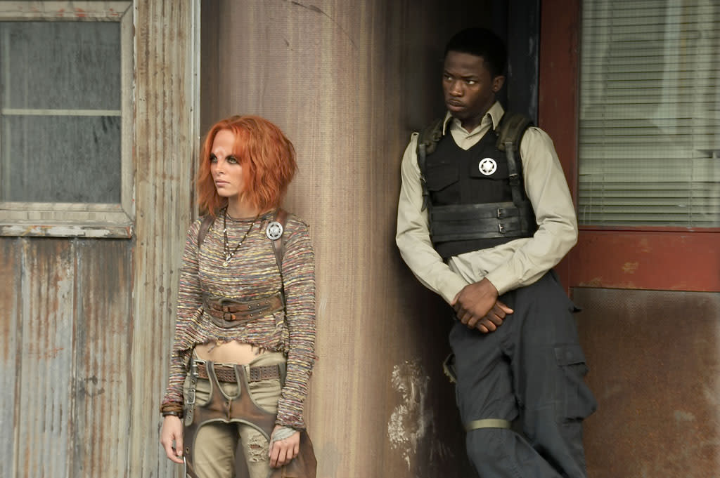 "Stephanie Leonidas as Irisa and Dewshane Williams as Tommy LaSalle in the ""Defiance"" episode, ""The Serpent's Egg."""