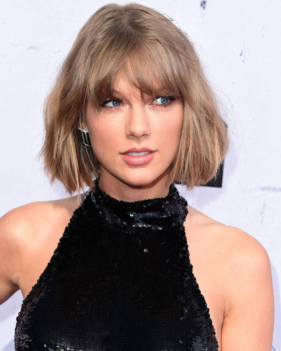 """<p>Popstar and girl squad leader <a href=""""https://www.delish.com/food-news/a46420/what-taylor-swift-eats-taylor-swift-diet/"""" rel=""""nofollow noopener"""" target=""""_blank"""" data-ylk=""""slk:Taylor Swift"""" class=""""link rapid-noclick-resp"""">Taylor Swift</a> reaches for a very high-maintence drink when she has a sandwich–lavender lemonade. We've heard of flavored lemonade of course, but lavender? What's that like? Or better yet, <a href=""""https://www.delish.com/food/g3364/best-lemonade-flavors/"""" rel=""""nofollow noopener"""" target=""""_blank"""" data-ylk=""""slk:would Beyoncé like it"""" class=""""link rapid-noclick-resp"""">would Beyoncé like it</a>? </p>"""