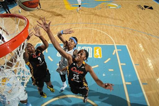 Diggins, Shock edge Sky in OT
