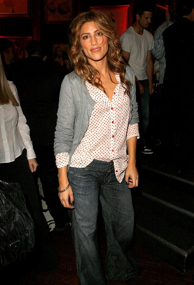 """Samantha Who?"" hottie Jennifer Esposito looks a little disheveled at the event. Perhaps she was getting wild on the dance floor with Jessica Simpson? Jeff Vespa/<a href=""http://www.wireimage.com"" target=""new"">WireImage.com</a> - October 24, 2007"