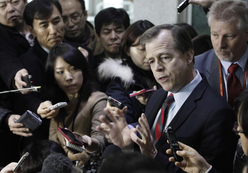 U.S. envoy to North Korea Glyn Davies, right, speaks after meeting with South Korea's nuclear envoy Lim Sung-nam at the Foreign Ministry in Seoul, South Korea, Thursday, Jan. 24, 2013. The North Korean military commission led by leader Kim Jong Un warned Thursday that the regime is poised to conduct a nuclear test in defiance of U.N. punishment, and made clear that its long-range rockets are designed to carry not only satellites but also warheads aimed at striking the United States. (AP Photo/Ahn Young-joon)