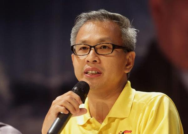 DAP's Tony Pua says the party does not intend to engage the services of data analytics consultants for the upcoming general elections. — Picture by Choo Choy May