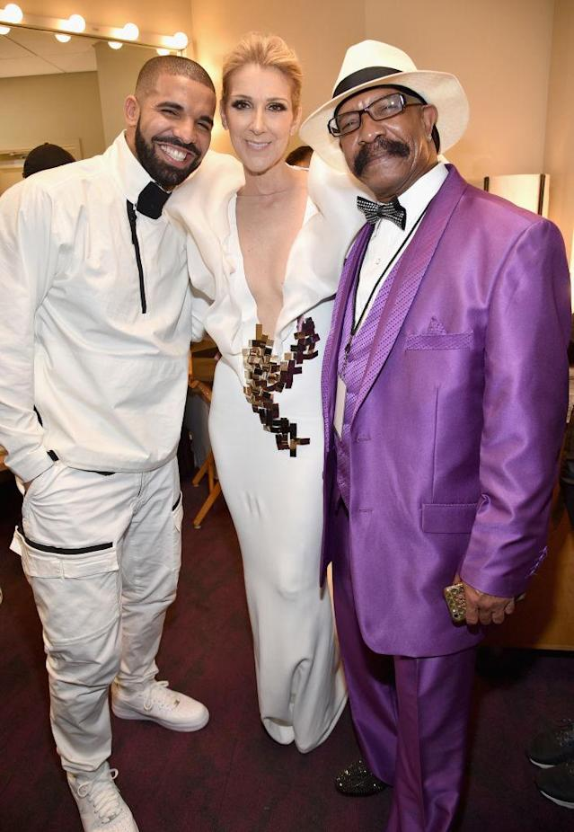Drake and his dad, Dennis Graham, cheesed with Celine Dion at the 2017 <em>Billboard</em> Music Awards on May 21. (Photo: Kevin Mazur/BBMA2017/Getty Images for dcp)