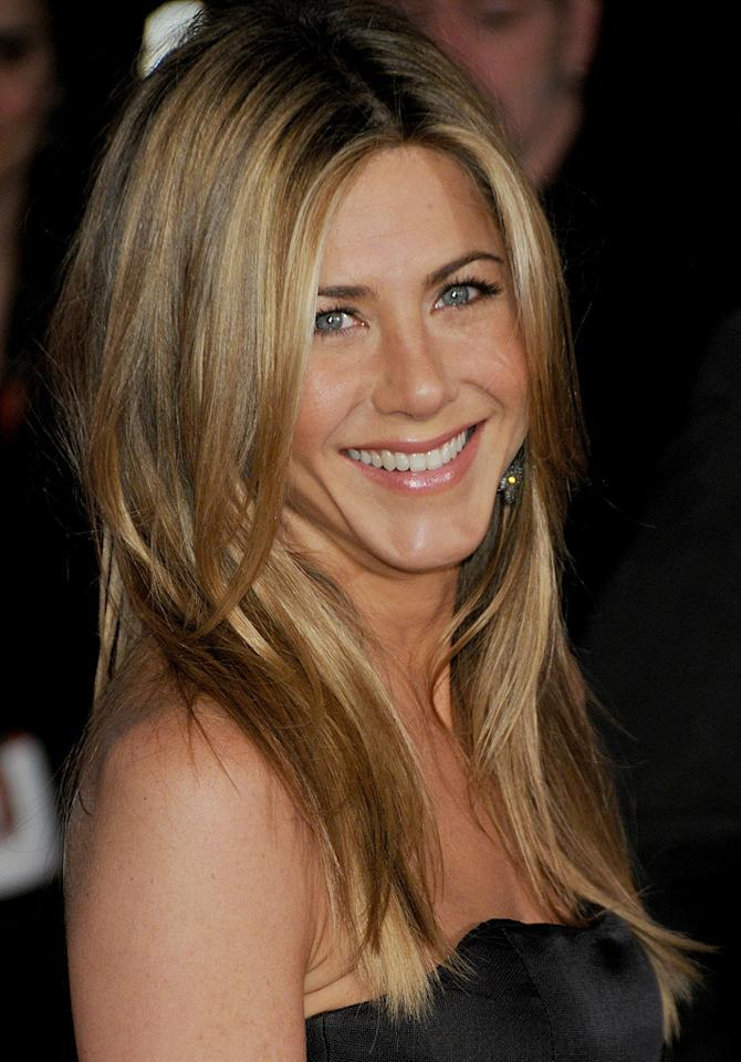 "<a href=""http://movies.yahoo.com/movie/contributor/1800021397"">Jennifer Aniston</a> at the Los Angeles premiere of <a href=""http://movies.yahoo.com/movie/1809995057/info"">Marley & Me</a> - 12/11/2008"