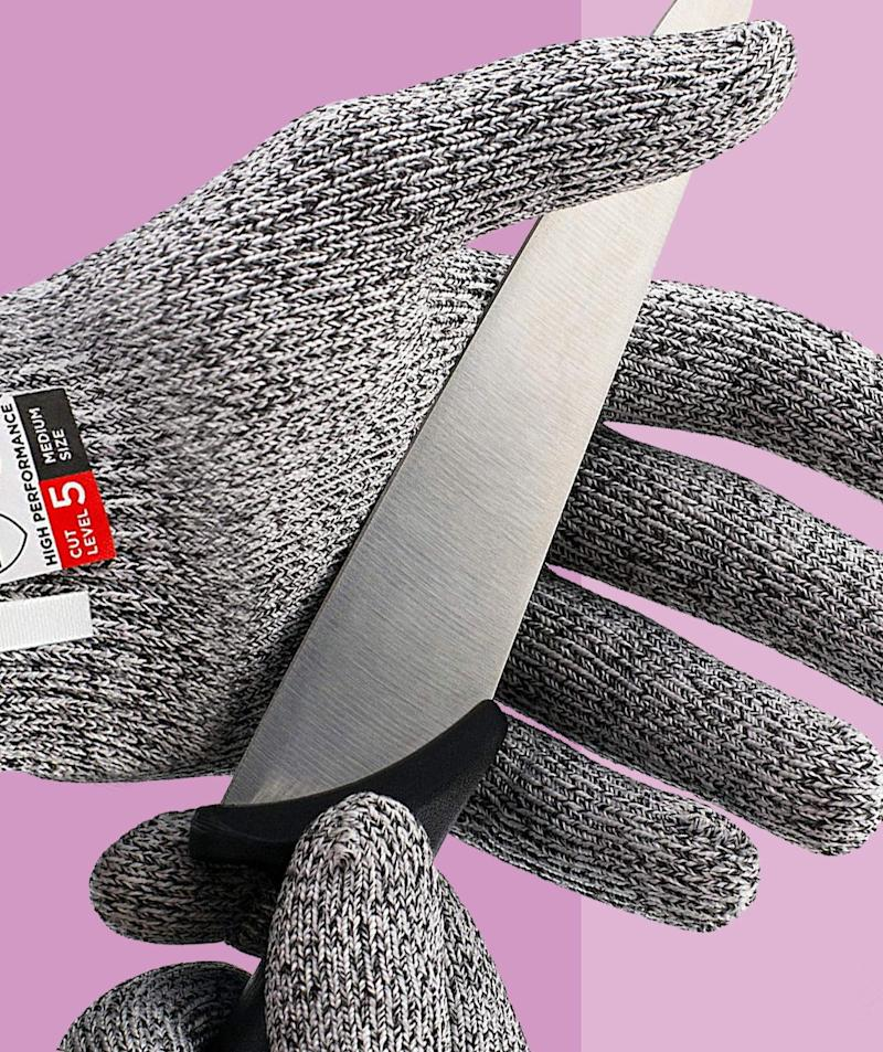 More Than 9,000 Shoppers Swear By These Cut-Resistant Gloves to Protect Their Fingers While Chopping