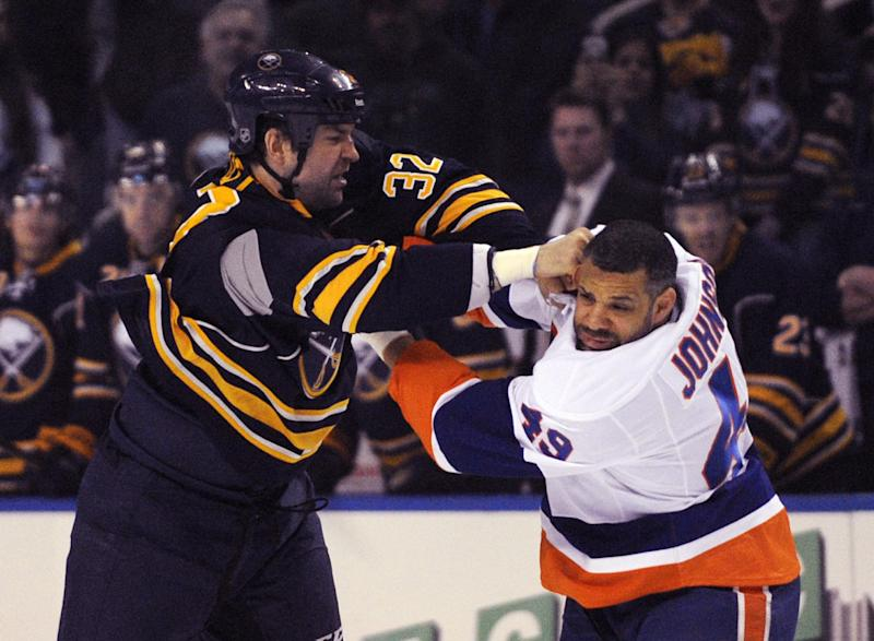Nelson seals Isles' 4-3 SO win over Sabres
