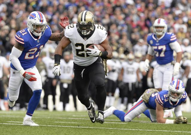 """<a class=""""link rapid-noclick-resp"""" href=""""/nfl/players/24815/"""" data-ylk=""""slk:Mark Ingram"""">Mark Ingram</a> has another huge game and a look around the rest of the league in Week 10 (AP Foto/Adrian Kraus)."""