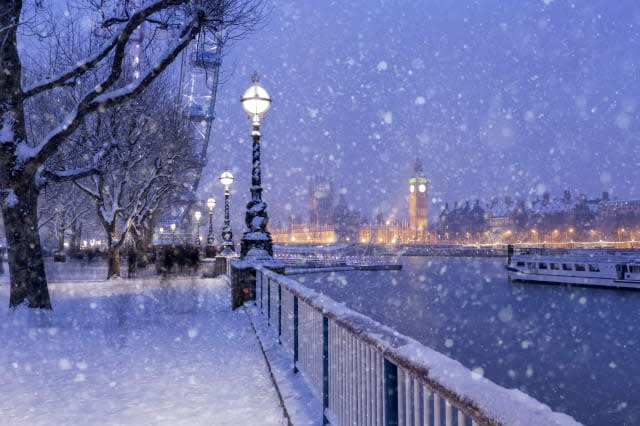 UK set for 'snowiest winter for 27 years'