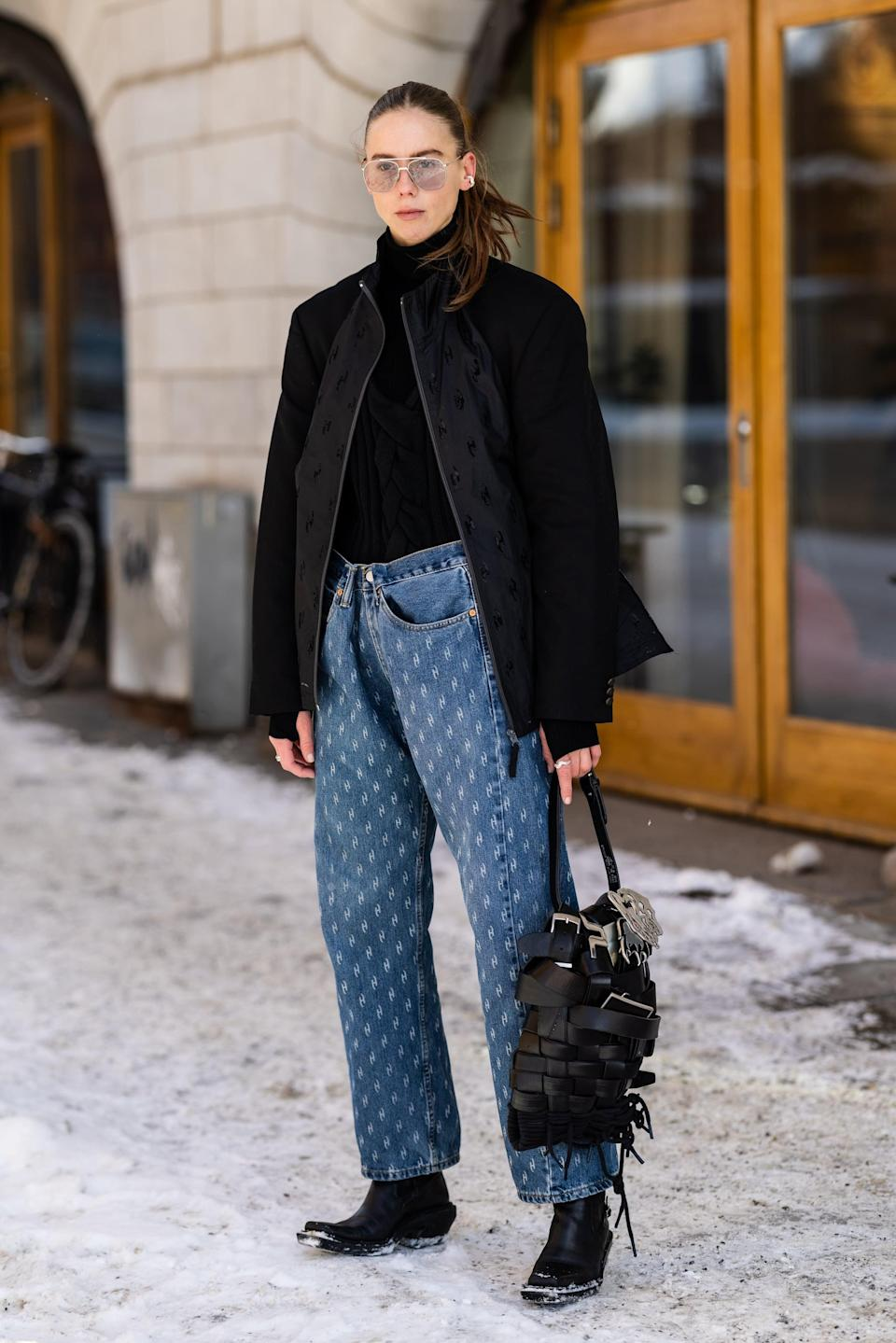 <p>Stay warm in a crisp-cut, lightweight jacket with a thick turtleneck underneath - it's like your secret weapon!</p>