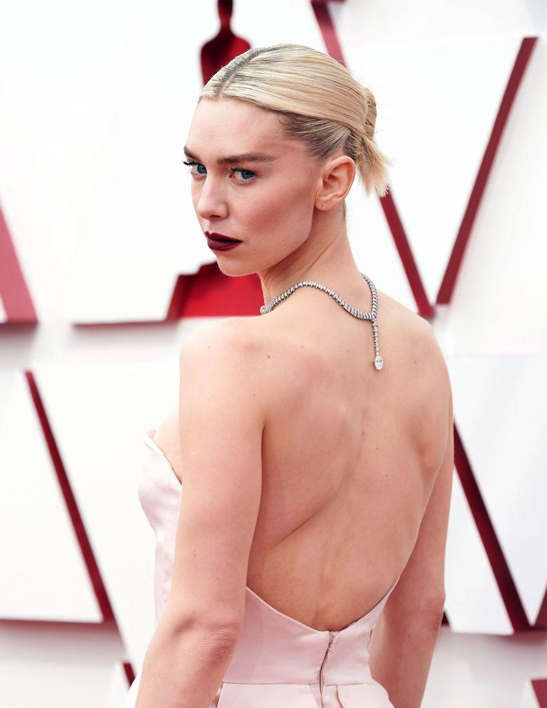 <p>Vanessa Kirby's skin was sculpted to perfection with a flawless contour, while blood-red lips and strong brows complemented the graphic lines of her custom Gucci gown. </p>