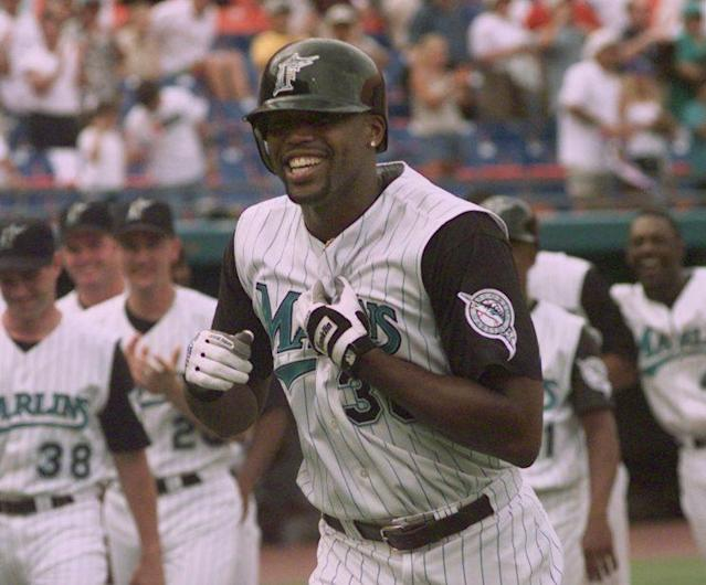 Cliff Floyd was one of the few veterans on the '99 Marlins. (AP Photo)