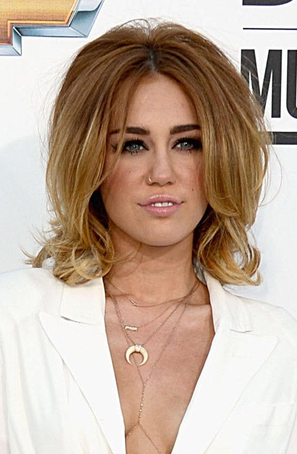 Miley Cyrus' Retro Hair At The 2012 Billboard Music Awards: Love or Loathe?