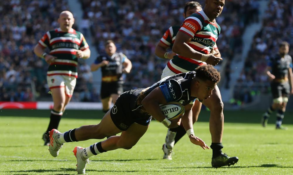Anthony Watson scores one of his tries during Bath's fightback to beat Leicester at Twickenham