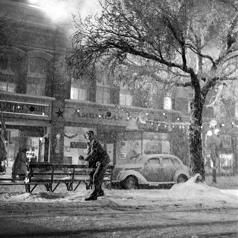 'Snow' on the streets of Bedford Falls