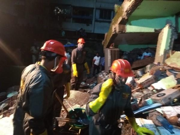 Visuals from the building collapse