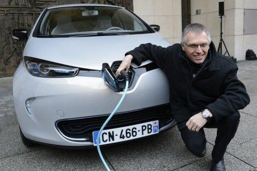 Renault, Daimler, Ford in electric fuel cell link