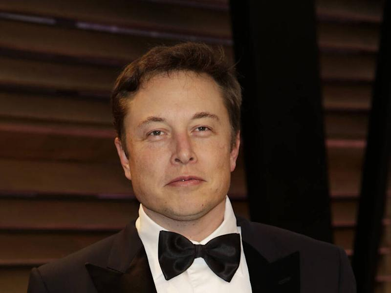 Elon Musk challenges Johnny Depp to a 'cage fight' over Amber Heard threesome claims