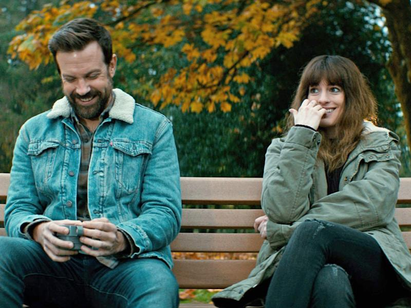 anne hathaway jason sudeikis colossal