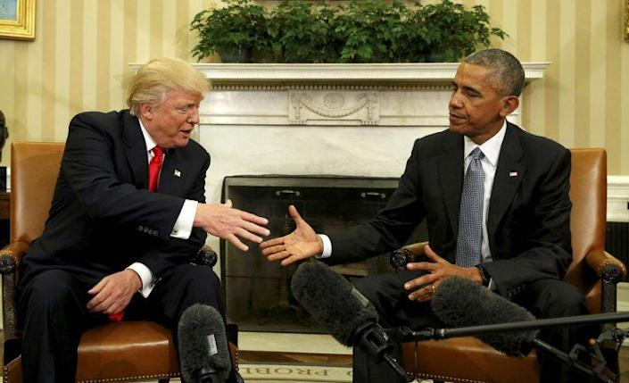 President Barack Obama meets with President-elect Donald Trump in the Oval Office of the White House in Washington, D.C., Nov. 10, 2016. (Kevin Lamarque/Reuters)