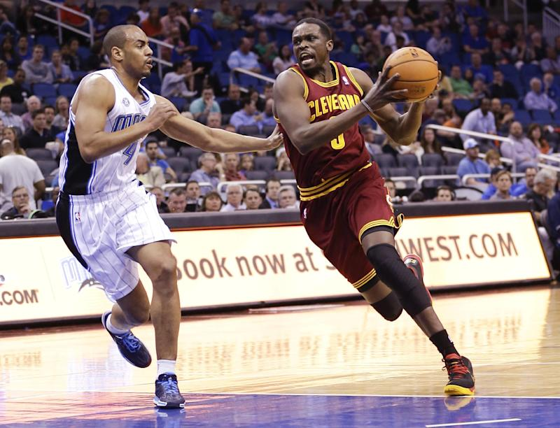 Waiters scores 26 as Cavs beat Magic 119-98