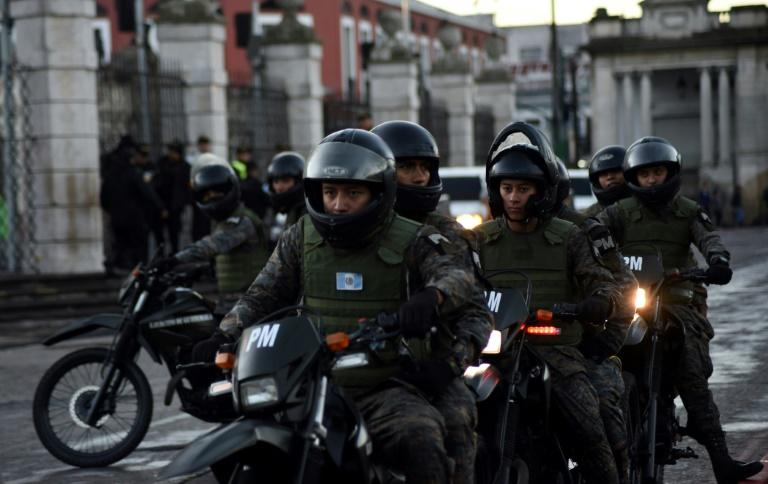 Security was tight on inuaugration day in Guatemala City's historical center, with army personnel on patrol (AFP Photo/ORLANDO ESTRADA)