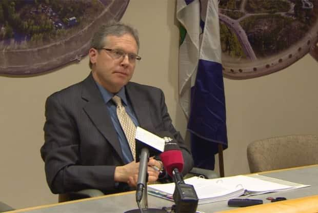 Audit principal Glenn Wheeler looked into mental health services in rural areas in Yukon. While mental health hubs in four communities are making inroads, more work needs to be done, the report states. (CBC - image credit)