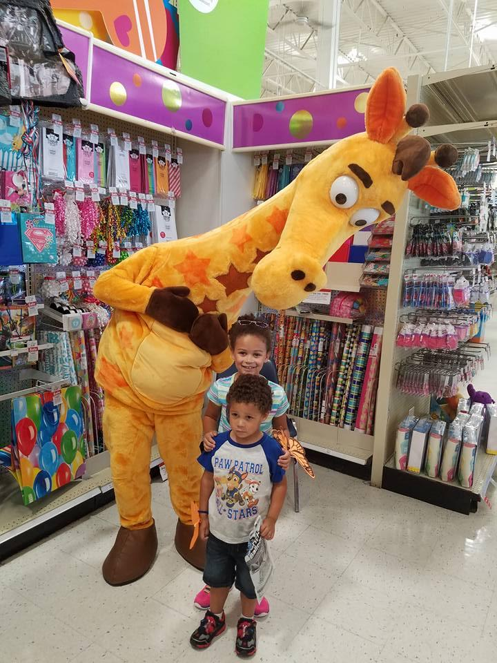 kids at toys r us