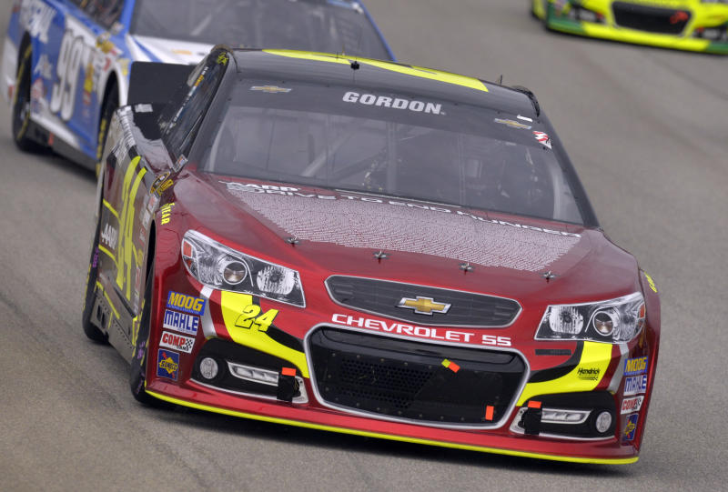 Jeff Gordon drives his car during the NASCAR Sprint Cup series auto race at Chicagoland Speedway in Joliet, Ill., Sunday, Sept. 15, 2013. (AP Photo/Warren Wimmer)