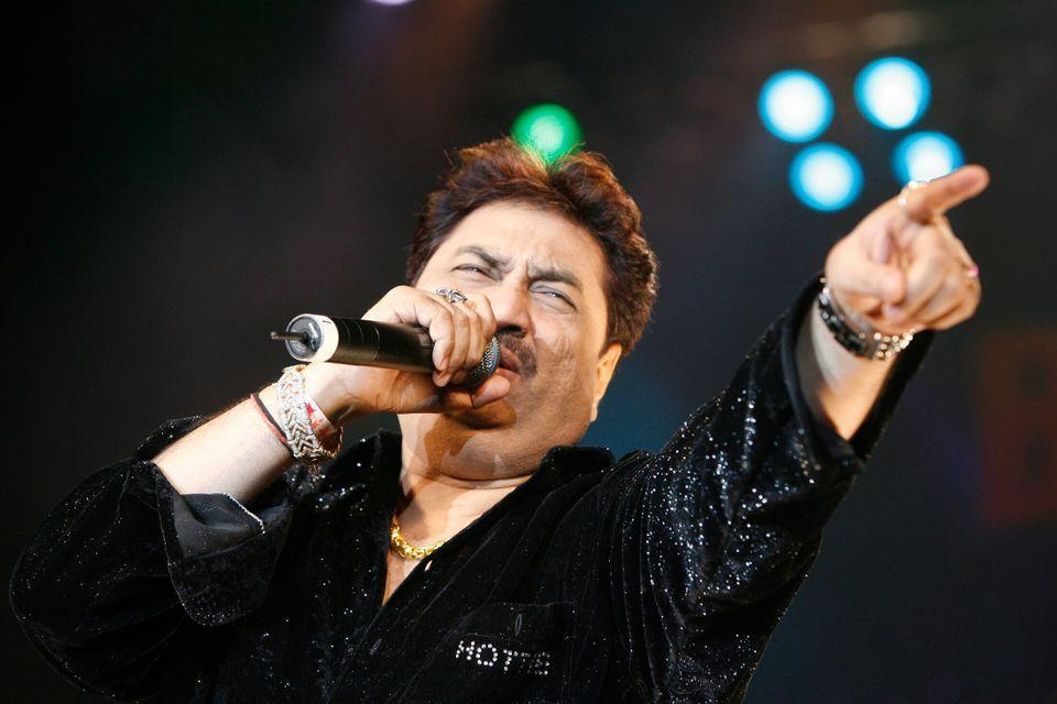 Singer Kumar Sanu performs during the Bollywood Music and Fashion Awards In Atlantic City New Jersey, November 17, 2007. REUTERS/Tim Shaffer (UNITED STATES)