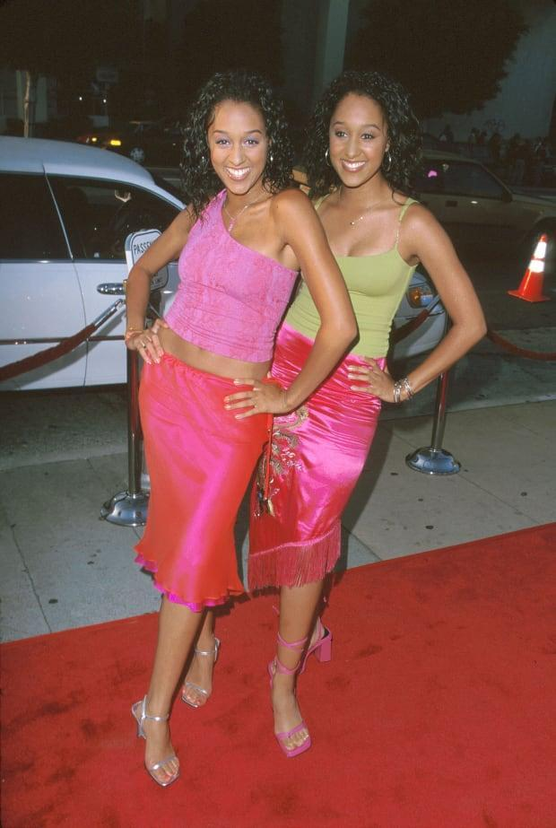 """Tia and Tamera Mowry at a premiere for """"Big Momma's House"""" in May 2000."""