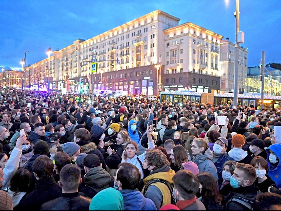 Opposition supporters attend a rally in support of jailed Kremlin critic Alexei Navalny, in Moscow (AFP via Getty Images)