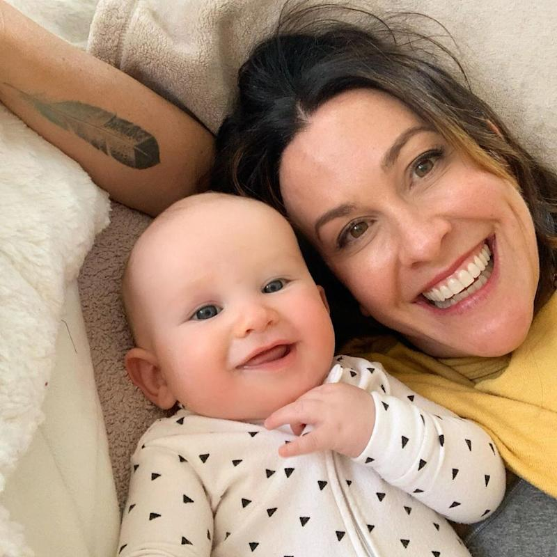 Alanis Morissette Among Parents 'Unschooling' Their Kids At Home