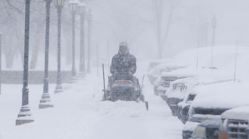 Winter storm blankets Great Plains with snow